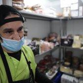 Coronavirus carnisser magatzem nevera mascareta protecció comerç botiga - Sergi Alcàzar