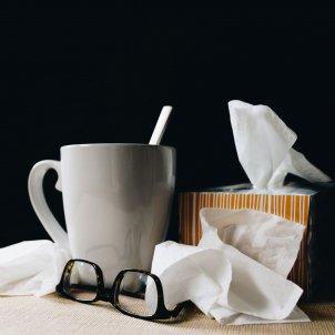 coronavirus síntomas que hacer cuales son kelly sikkema RmByg5kFfQg unsplash