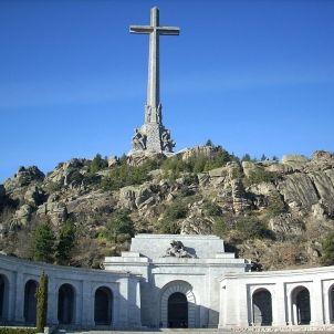 1024px Valle de los caidos by forcy cruz y basilica
