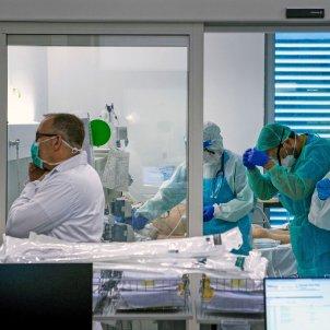 coronavirus   UCI germans trias i pujol   EFE