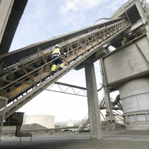 EuropaPress 2873105 fabrica cemento ciment obres
