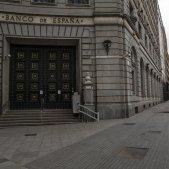 El Banco de España y las calles vacías por el coronavirus. Foto: Sergi Alcazar