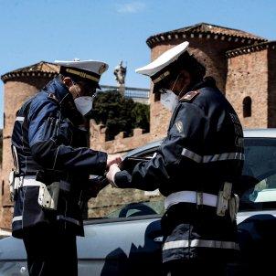 Roma controls policia coronavirus EFE