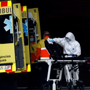ambulancia hospital bellvitge coronavirus   efe