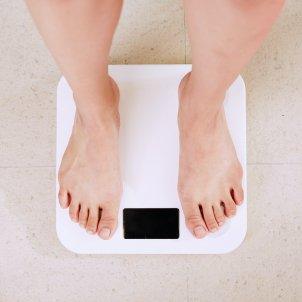 como perder peso consejos bascula i yunmai 5jctAMjz21A unsplash