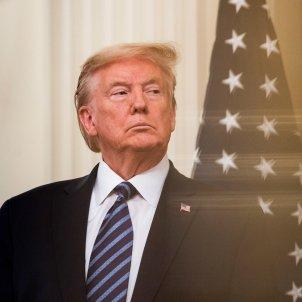 Donald Trump bandera EUA - Efe
