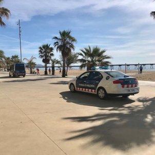 mossos esquadra cotxe badalona