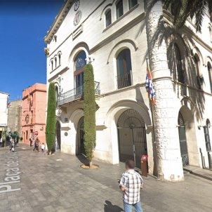 plaça vila badalona - google maps