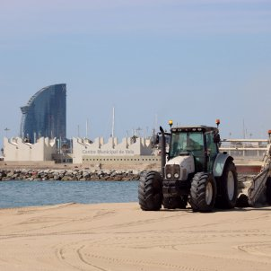 neteja platja platges barcelona acn