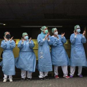 Coronavirus Hospital Sant Pau aplaudiments infermeres epis bossa escombraries proteccions - Sergi Alcazar