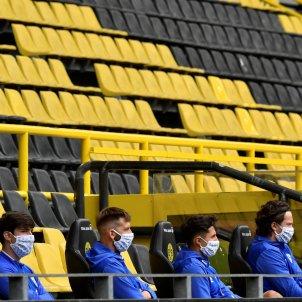 Banqueta coronavirus Schalke Borussia Dortmund Bundesliga EFE