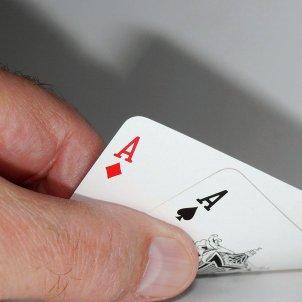 Joc de cartes jugador (Moritz320, Pixabay)