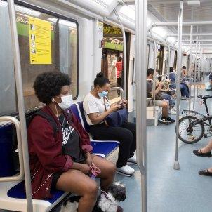 metro coronavirus Barcelona EFE