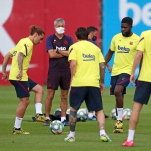 Setien mascareta Barca entrenament FC Barcelona