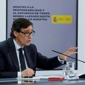 Espanya s'espolsa els retrets pel desajust de xifres de morts amb l'OMS