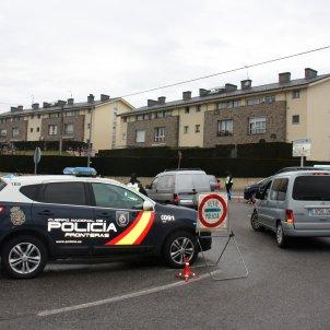 policia nacional llivia frontera espanya frança - acn