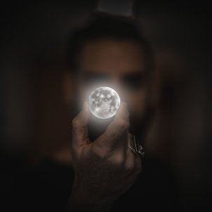 Lluna dit (Funky Focus)