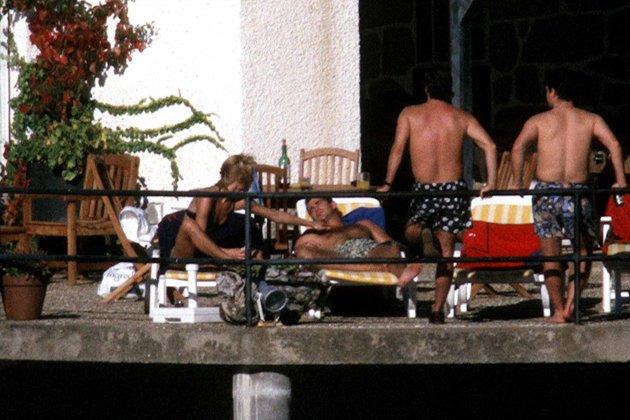 felip toma el sol terraza GTRES