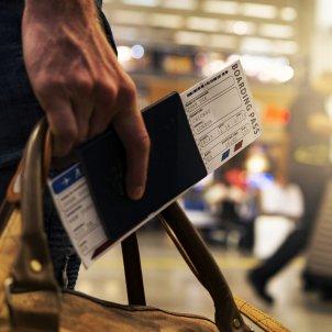 viatjar passaport aeroport vols maleta - pixabay