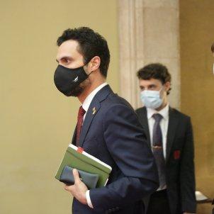 Roger Torrent mascareta Top Manta ple monogràfic Covid-19 Parlament - Sergi Alcàzar