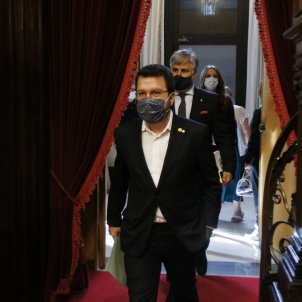 pere aragones parlament mascareta - acn