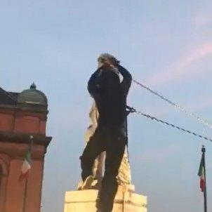estatua colom baltimore @louiskraussnews