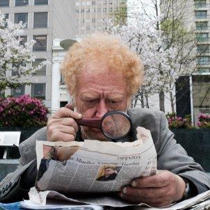 Lupa diaris lector (Ken Walton)