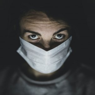 corornavirus justicia mascareta unsplash