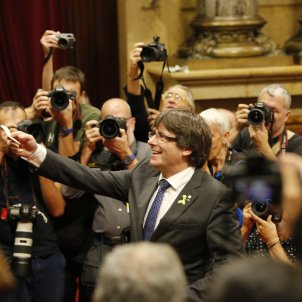 carles puigdemont votacio 27 octubre dui votacio ple parlament - sergi alcàzar