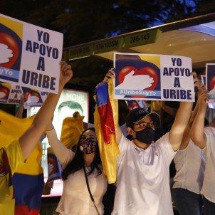 manifetsacio suport alvaro uribe colombia - Efe