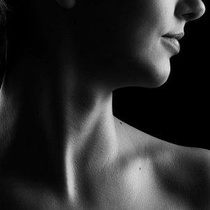 Torso de mujer Pixabay