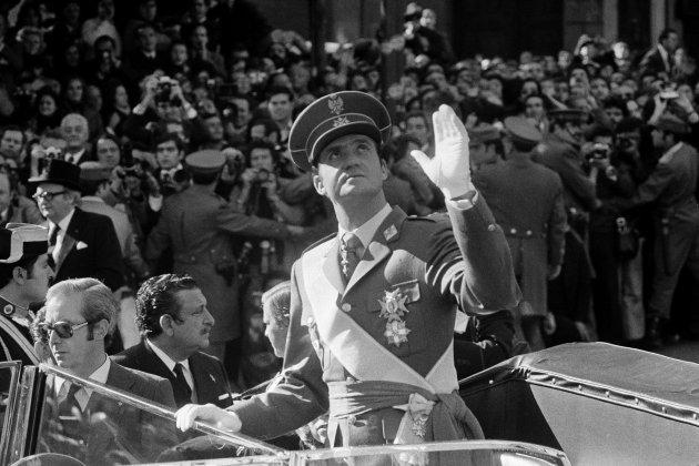 rey Juan Carlos joven año 1975 proclamación GTRES