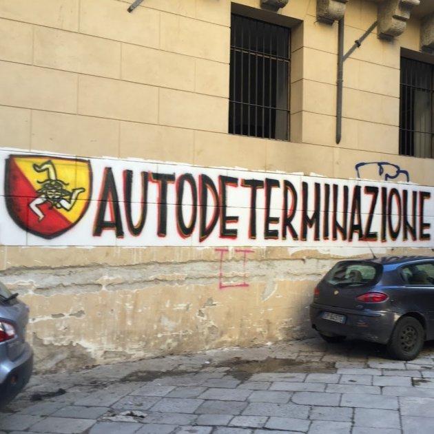 Autodeterminació Sicília Graffito (Paolo Rausch)