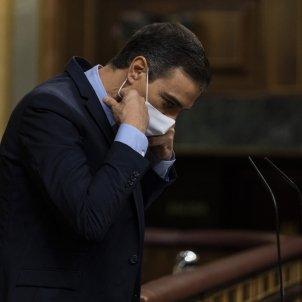 EuropaPress presidente gobierno pedro sanchez quita mascarilla antes intervenir sesion