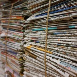 diaris periodicos paper - pixabay