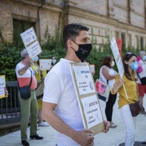 Concentració de treballadors d'agències viatge demanda solucions davant la situació de crisi. Foto: Europa Press