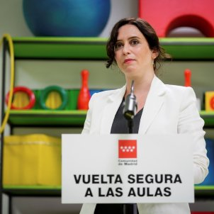 Isabel Díaz Ayuso_tornada nens escola_curs 2020-2021_coronavirus_EFE