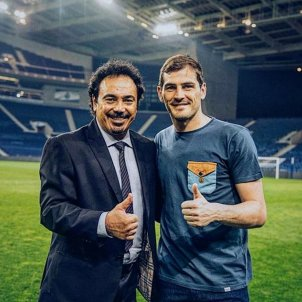 Hugo Sanchez Iker Casillas @hugosanchez 9
