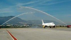 Imatge d'arxiu del bateig del primer vol de Vueling entre Sant Petersburg i Màlaga. Foto: Europa Press