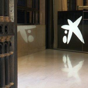 Imatge de la sede de Caixabank a València. Foto: Europa Press