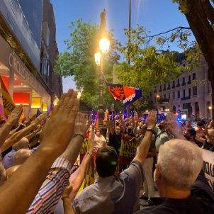salutació feixista concentració blanquerna diada 2020 - Nicolas Tomas