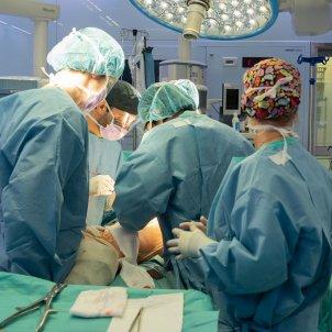 operació hospital clínic meluc - acn