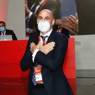 Luis Rubiales agrait mascareta EFE