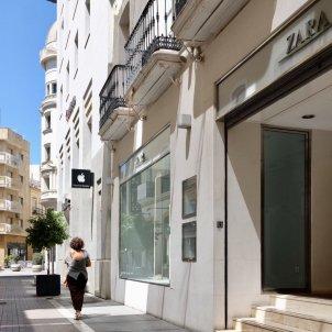 Una de les entrades a la botiga Zara al centre de Huelva capital. Foto: Europa Press