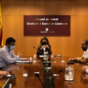 La ministra de Treball, Yolanda Díaz, presideix una reunió mantinguda amb els sindicats pels ERTO. Foto: Europa Press