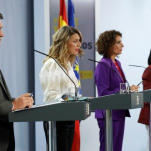 La ministra de Treball, el ministre d'Inclusió, Migracions i Seguretat Social, la ministra d'Hisenda i la ministra de Política Territorial en roda de premsa. Europa Press