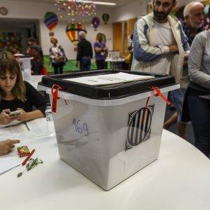 Mesa electoral referendum 1 O Sergi Alcazar 03