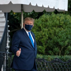 Trump abandona Casa Blanca hospital coronavirus EFE