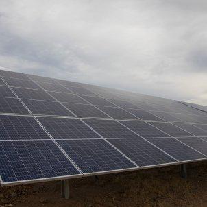 Panells solars de la planta Andevalo d'Iberdrola, el seu primer projecte fotovoltaic. Foto: Europa Press