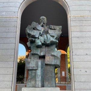 estatua largo caballero - @abalosmeco